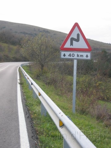 http://clindephare.free.fr/Moto/Route_du_Bonheur/slides/ColladaDeToses_Panneaux_04.jpg